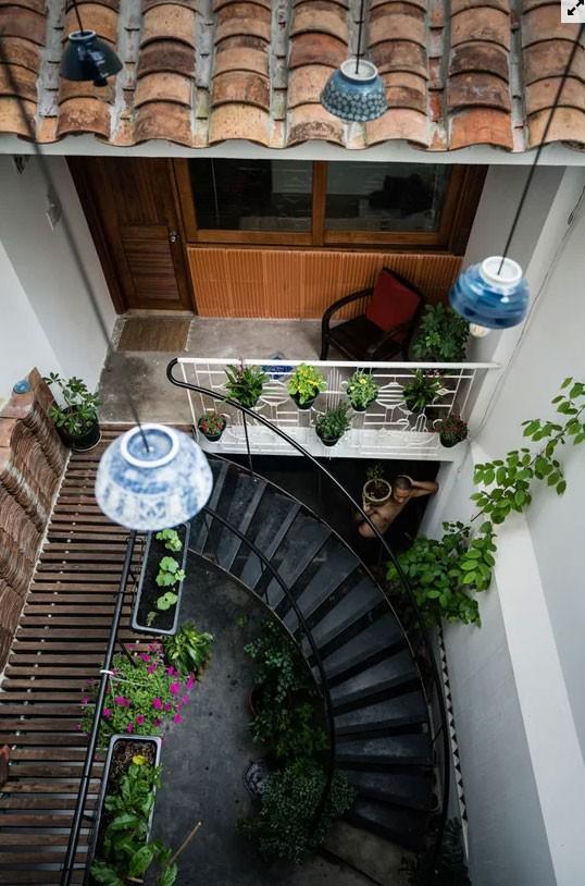 Nhà ống Sài Gòn đủ chỗ cho 4 gia đình nhỏ  - Ảnh 5.