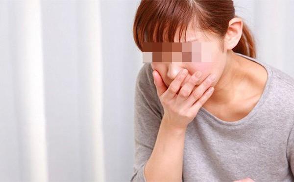 4 triệu chứng bất thường khi ăn cảnh báo ung thư đang đến gần - Ảnh 2.