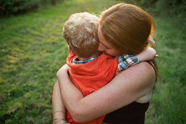 Người mẹ có con 3 tuổi mắc bệnh ung thư và bức thư vô tâm của người hàng xóm khiến ai cũng phẫn nộ - Ảnh 1.