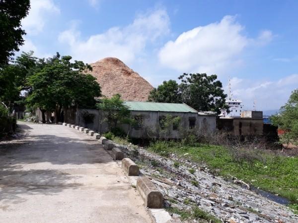 Huyện Nghi Xuân (Hà Tĩnh): Dân tố nhà máy băm dăm gây ô nhiễm, bụi bặm - Ảnh 1.
