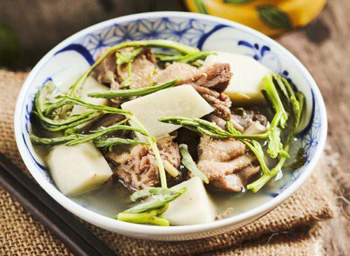 Bữa cơm chiều ngon, nhiều món quen mà cả nhà ăn hoài không chán - Ảnh 1.