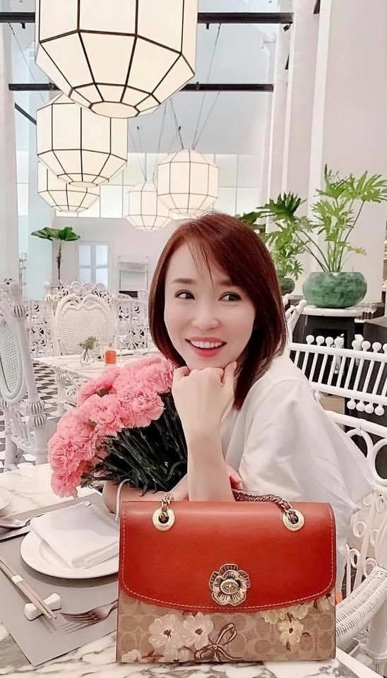 Nhan sắc mặn mà của Tiểu Long Nữ Phạm Văn Phương ở tuổi U50 - Ảnh 14.