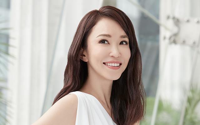 Nhan sắc mặn mà của Tiểu Long Nữ Phạm Văn Phương ở tuổi U50 - Ảnh 4.