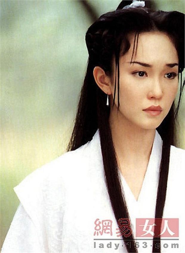 Nhan sắc mặn mà của Tiểu Long Nữ Phạm Văn Phương ở tuổi U50 - Ảnh 9.