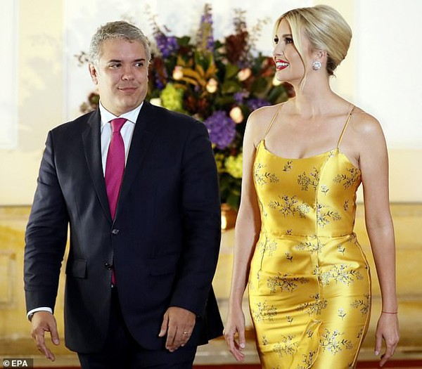 Ivanka Trump - con gái Tổng thống Mỹ lại gây sửng sốt bởi nhan sắc sexy hớp hồn phái mạnh - Ảnh 2.