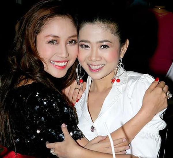 Ốc Thanh Vân đăng ảnh 10 năm với Mai Phương, cầu chúc đồng nghiệp sớm hồi phục - Ảnh 1.