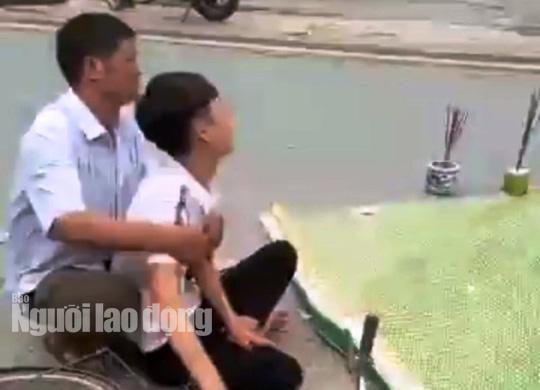 Chồng 20 tuổi gào khóc thảm thiết bên thi thể vợ mang thai bị xe tải cán - Ảnh 1.