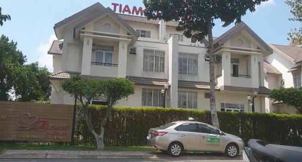 Người nước ngoài thuê phòng sống 1 mình chết trong khách sạn - Ảnh 2.