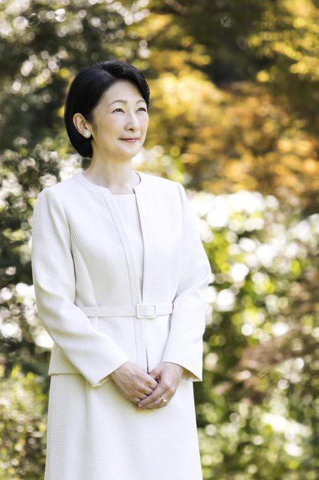 Thái tử phi Nhật Bản đẹp ngỡ ngàng trong bộ ảnh mới và có màn đối đáp khéo hết phần thiên hạ khi nói về chuyện con gái mãi không lấy chồng - Ảnh 5.