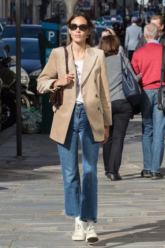 Phối áo blazer cùng quần jeans - Ảnh 8.