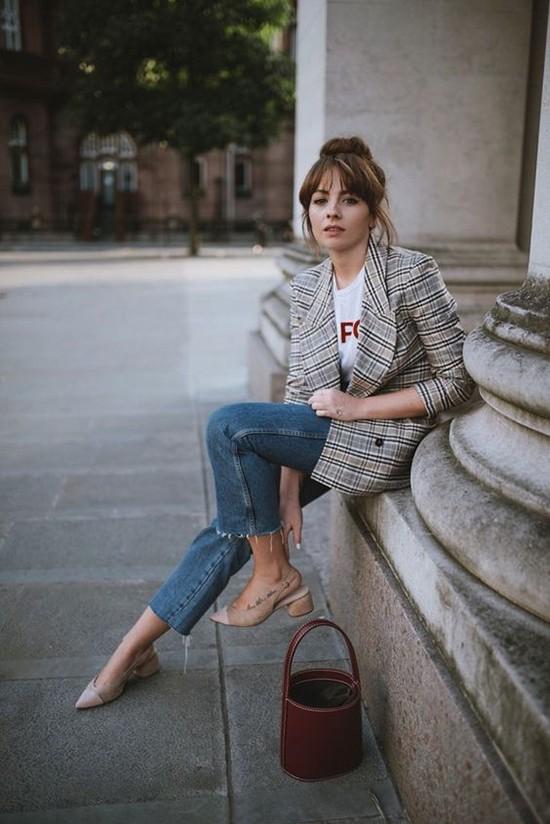 Phối áo blazer cùng quần jeans - Ảnh 10.