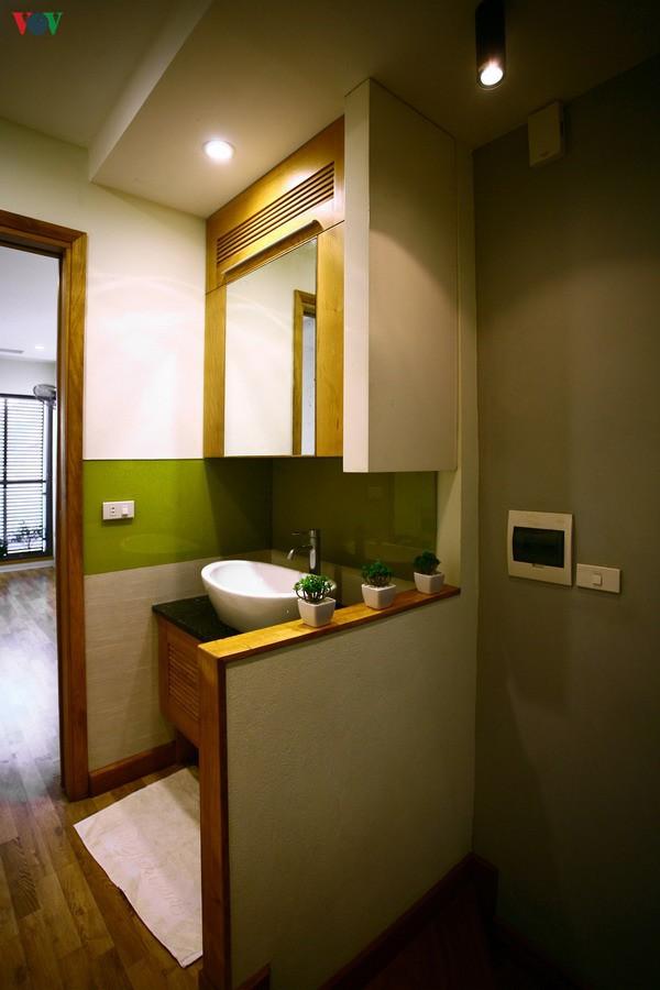 Ngôi nhà hướng tây nằm trong ngõ hẹp ở Hà Nội có thiết kế đẹp bắt mắt ngay từ lối vào - Ảnh 11.