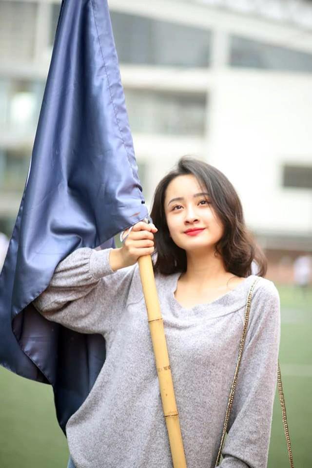 Tân Đại sứ trường Ams: Xinh đẹp, học giỏi và đa tài - Ảnh 6.