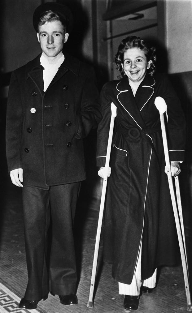 Bị thương nặng khi máy bay lao vào tòa nhà rồi rơi tự do trong thang máy từ tầng 79 cùng 1 ngày, người phụ nữ vẫn sống sót thần kỳ - Ảnh 4.