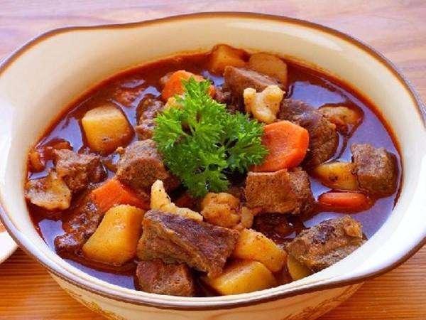 Tuyệt chiêu nấu thịt bò thơm ngon, nhanh mềm, không tốn thời gian - Ảnh 1.