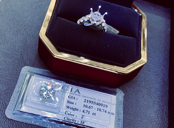 Chồng tặng Diễm My nhẫn kim cương 5 tỷ - Ảnh 2.
