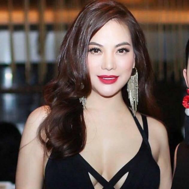 Trương Ngọc Ánh tuổi 43 vẫn sexy nghẹt thở - Ảnh 3.