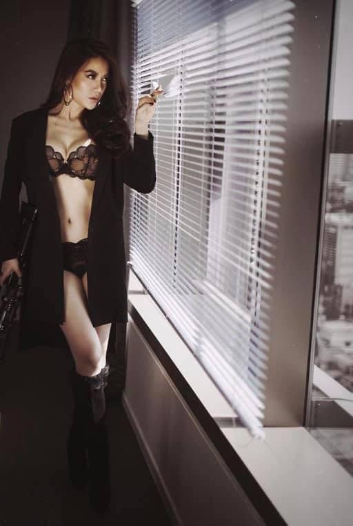 Trương Ngọc Ánh tuổi 43 vẫn sexy nghẹt thở - Ảnh 5.