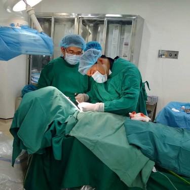 Bệnh viện đa khoa TƯ Cần Thơ thi đua đẩy mạnh học tập và làm theo lời Bác - Ảnh 1.
