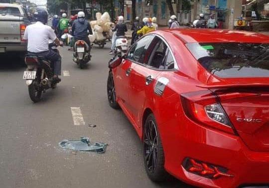 Đưa thầy chùa đập bể kính ôtô vì không cho vượt đi giám định tâm thần - Ảnh 2.