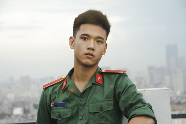 Nam sinh trường quân sự đẹp trai, nhiều tài lẻ  - Ảnh 2.