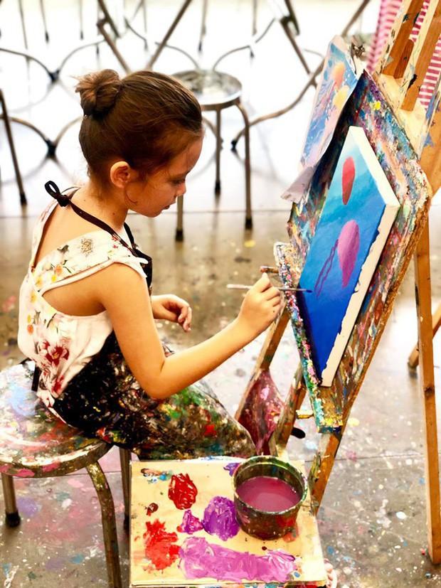 Mới 7 tuổi, con gái diva Hồng Nhung đã sở hữu nhan sắc thiên thần lai đẹp đến khó rời mắt - Ảnh 3.