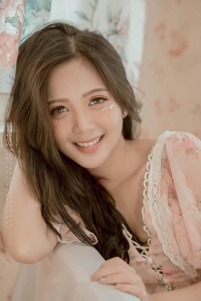 Thiếu nữ Hà thành xinh đẹp hút hồn, kiếm hàng chục triệu đồng mỗi tháng  - Ảnh 7.