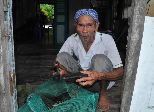 Xúc động hình ảnh cuộc sống bình dị lúc sinh thời của Anh hùng Nguyễn Văn Bảy - Ảnh 8.
