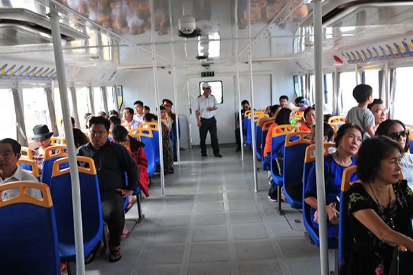 Trải nghiệm tuyến buýt đường sông duy nhất tại Việt Nam - Ảnh 2.
