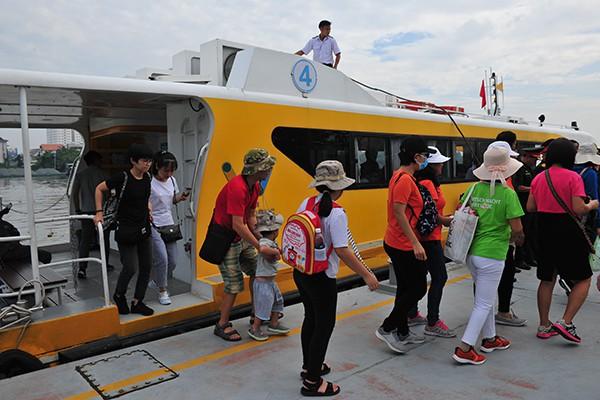 Trải nghiệm tuyến buýt đường sông duy nhất tại Việt Nam - Ảnh 7.