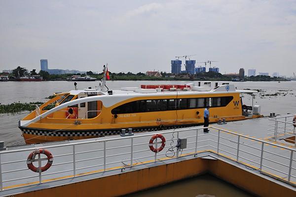 Trải nghiệm tuyến buýt đường sông duy nhất tại Việt Nam - Ảnh 9.