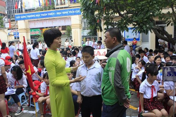 Khai giảng ấm áp của những học sinh khiếm thị trường PTCS Nguyễn Đình Chiểu - Ảnh 4.