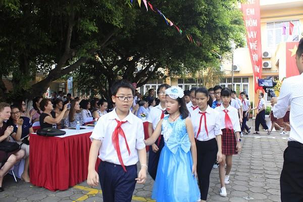 Khai giảng ấm áp của những học sinh khiếm thị trường PTCS Nguyễn Đình Chiểu - Ảnh 8.