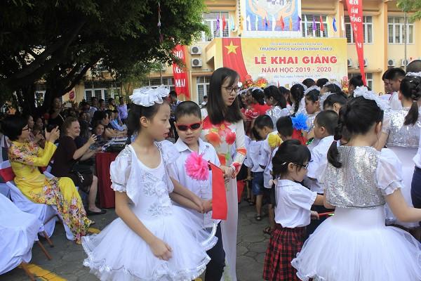 Khai giảng ấm áp của những học sinh khiếm thị trường PTCS Nguyễn Đình Chiểu - Ảnh 9.