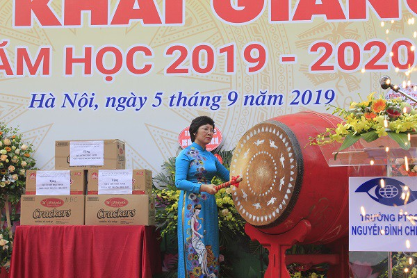 Khai giảng ấm áp của những học sinh khiếm thị trường PTCS Nguyễn Đình Chiểu - Ảnh 1.