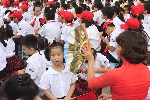 Khai giảng ấm áp của những học sinh khiếm thị trường PTCS Nguyễn Đình Chiểu - Ảnh 14.