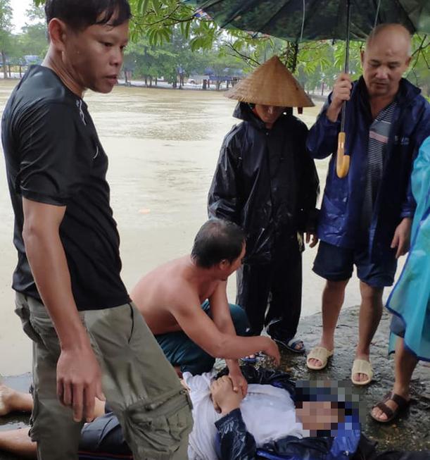 Đi ăn giỗ về, một người đàn ông ở Hà Tĩnh bị nước cuốn trôi - Ảnh 1.