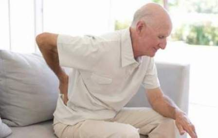 Thoái hóa khớp ở người già: Phòng và điều trị thế nào? - Ảnh 1.