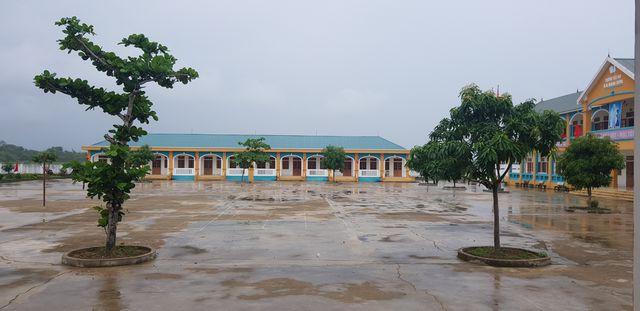 Nhiều trường học sẽ hoãn khai giảng năm học mới vì mưa lũ  - Ảnh 6.