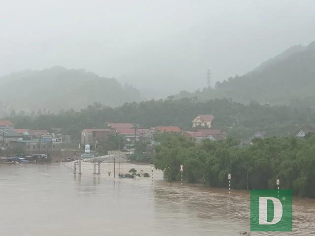 Nhiều trường học sẽ hoãn khai giảng năm học mới vì mưa lũ  - Ảnh 7.