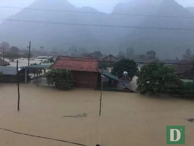 Nhiều trường học sẽ hoãn khai giảng năm học mới vì mưa lũ  - Ảnh 8.