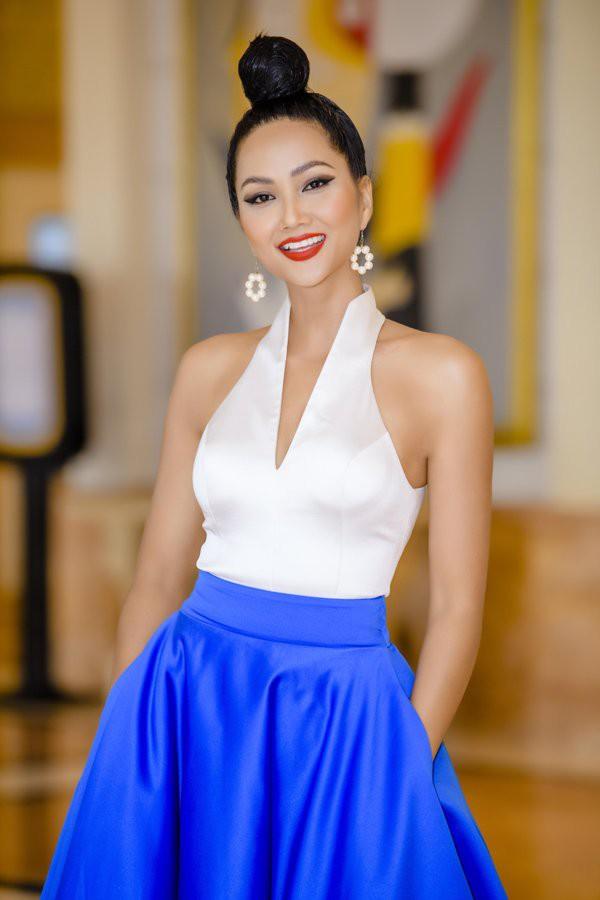 Lộ bí mật về kiểu tóc giúp loạt mỹ nhân Việt thăng hạng nhan sắc - Ảnh 11.