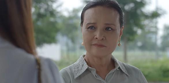 Hoa hồng trên ngực trái tập 10: Trà bị mẹ Thái đuổi thẳng cổ khỏi công ty con trai - Ảnh 2.