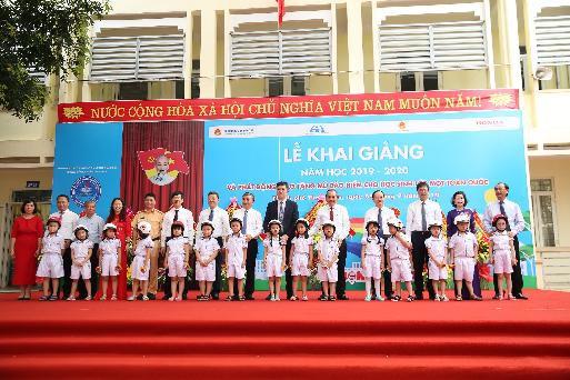 Honda Việt Nam trao tặng Mũ bảo hiểm cho học sinh lớp Một toàn quốc năm học 2019 – 2020 - Ảnh 1.