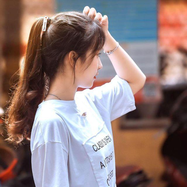 Nữ sinh Thái Nguyên bất ngờ nổi tiếng sau màn biểu diễn trong lễ khai giảng - Ảnh 6.