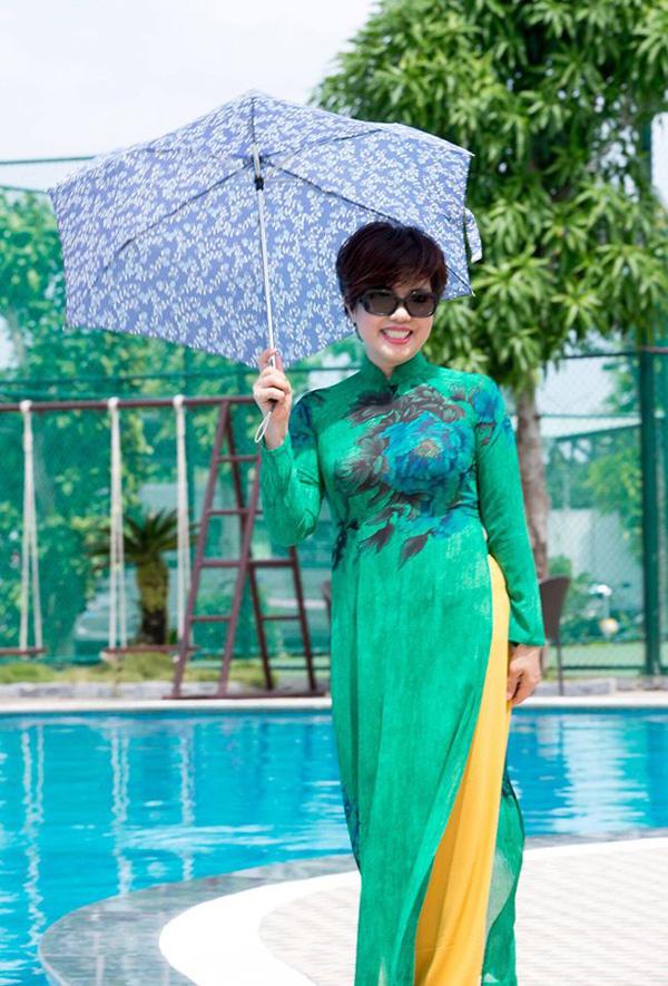 Nhan sắc trẻ trung ở tuổi U60 của diễn viên Ngọc Huyền, vợ cũ Chí Trung - Ảnh 7.