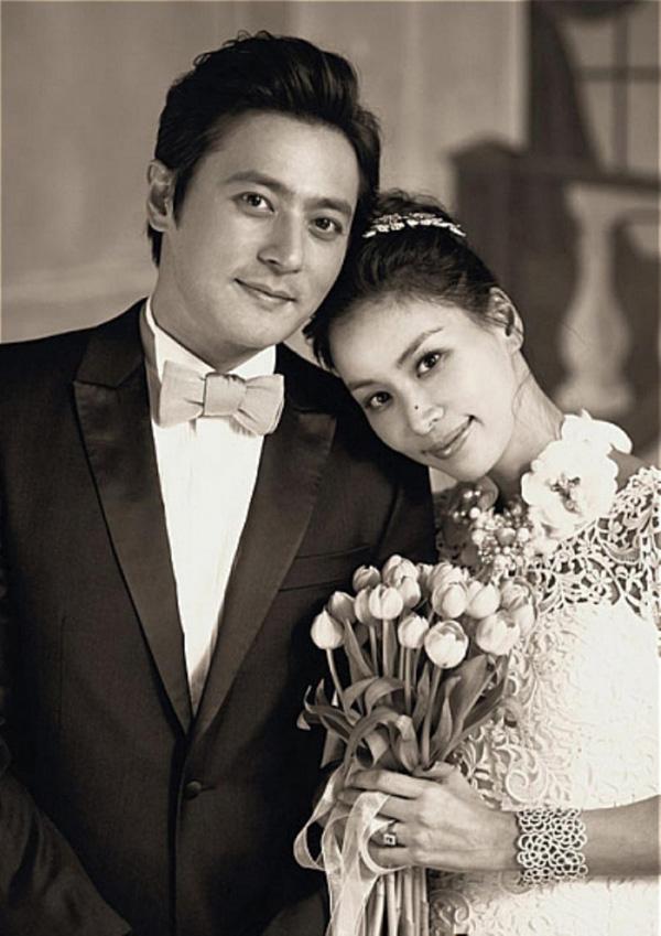 Bà xã xinh đẹp, nổi tiếng của Jang Dong Gun, người vướng bê bối tình dục tai tiếng - Ảnh 1.