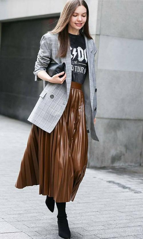Phối các kiểu áo khoác với chân váy midi - Ảnh 2.