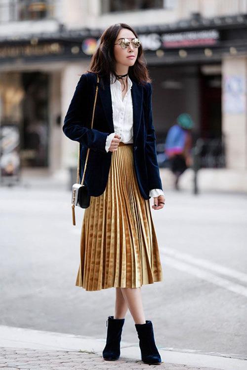 Phối các kiểu áo khoác với chân váy midi - Ảnh 4.