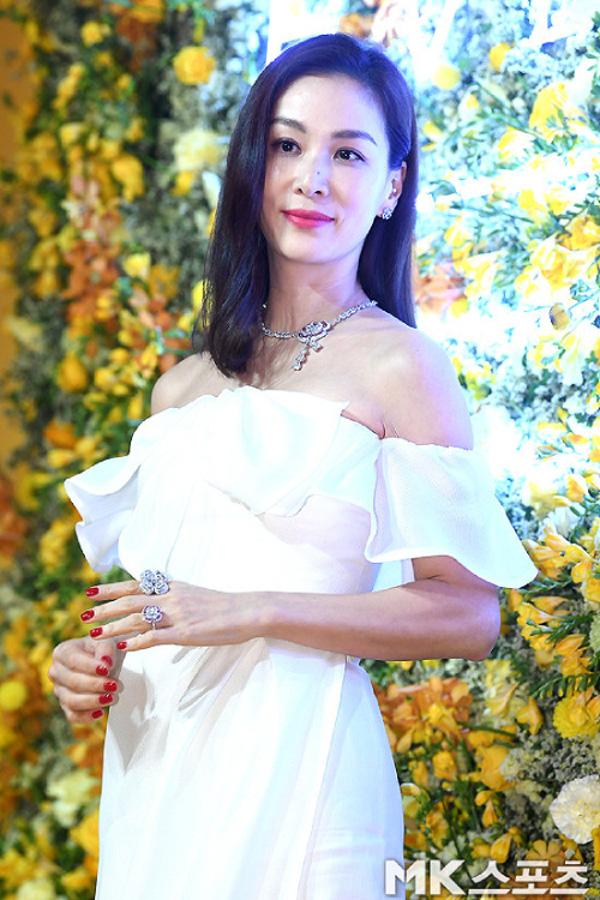 Bà xã xinh đẹp, nổi tiếng của Jang Dong Gun, người vướng bê bối tình dục tai tiếng - Ảnh 5.